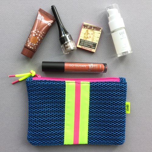 ipsy Glam Bag Review - January 2018 | Girl Meets Box